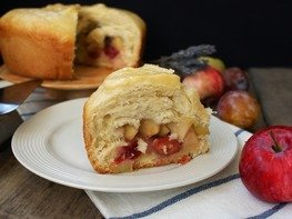 Пирог фруктовый на сыворотке в мультиварке