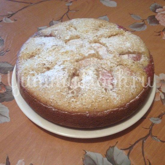 Пирог со сливами и яблоками в мультиварке - шаг 7
