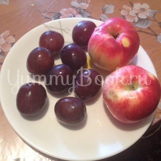 Пирог со сливами и яблоками в мультиварке - шаг 4