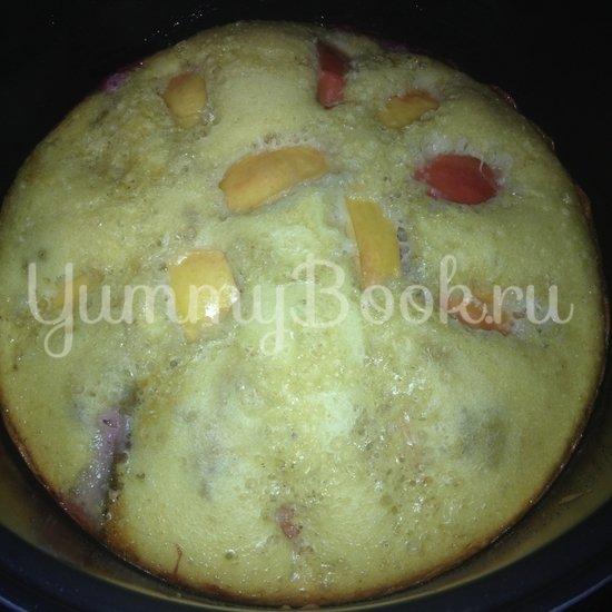 Пирог со сливами и яблоками в мультиварке - шаг 6