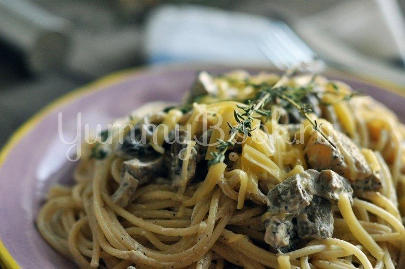 Спагетти с грибами и баклажанами под сливочным соусом - шаг 10