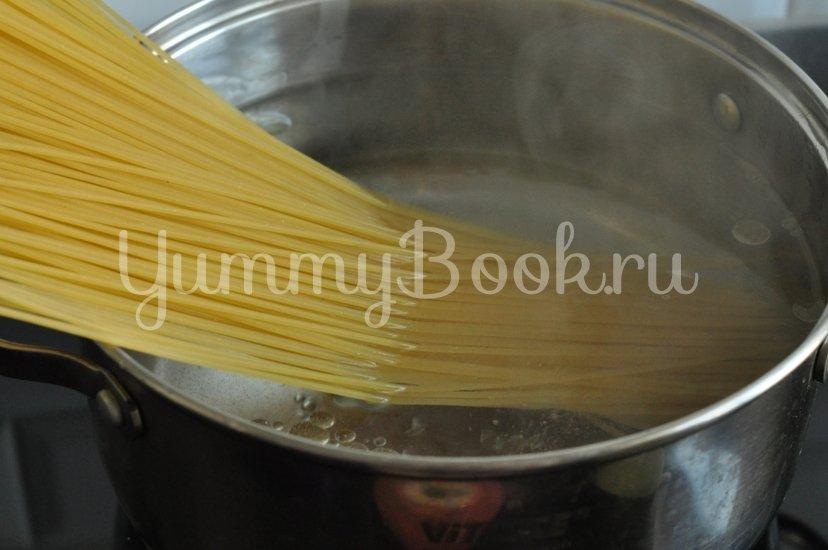 Спагетти с грибами и баклажанами под сливочным соусом - шаг 9