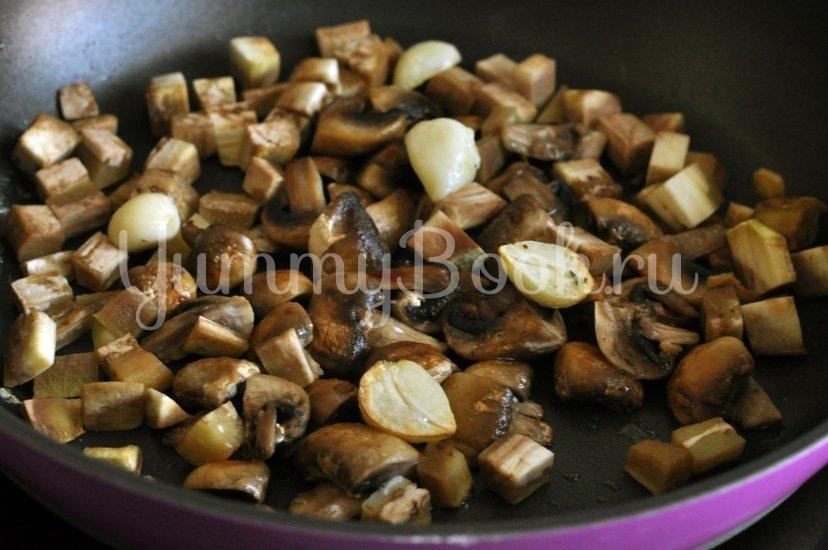 Спагетти с грибами и баклажанами под сливочным соусом - шаг 6