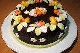 Торт шоколадный с конфетами