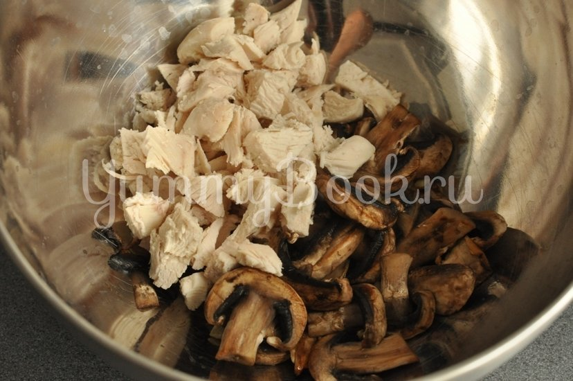 Жюльен с курицей и грибами - шаг 7