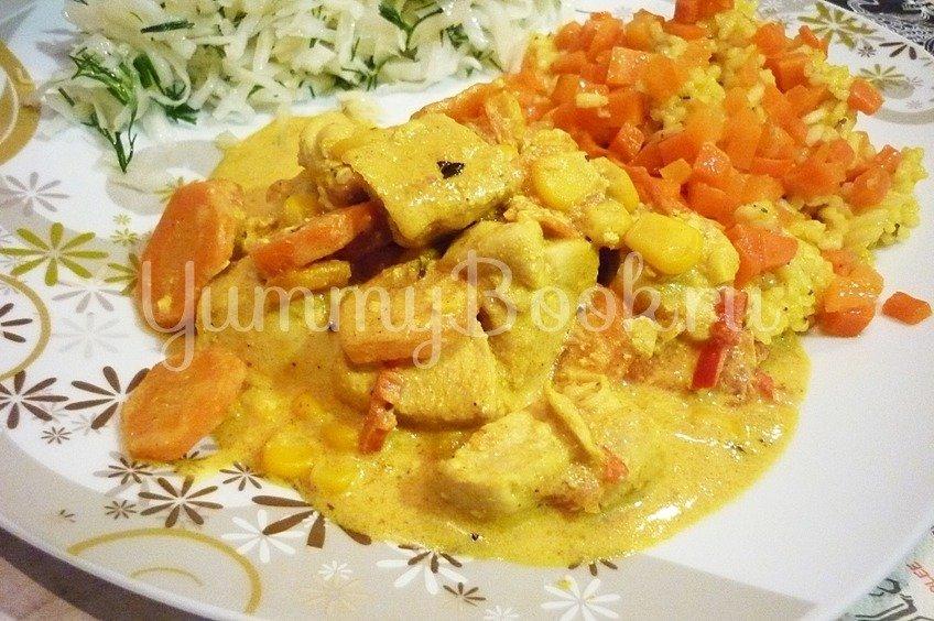 Куриное филе с овощами в сметанном соусе