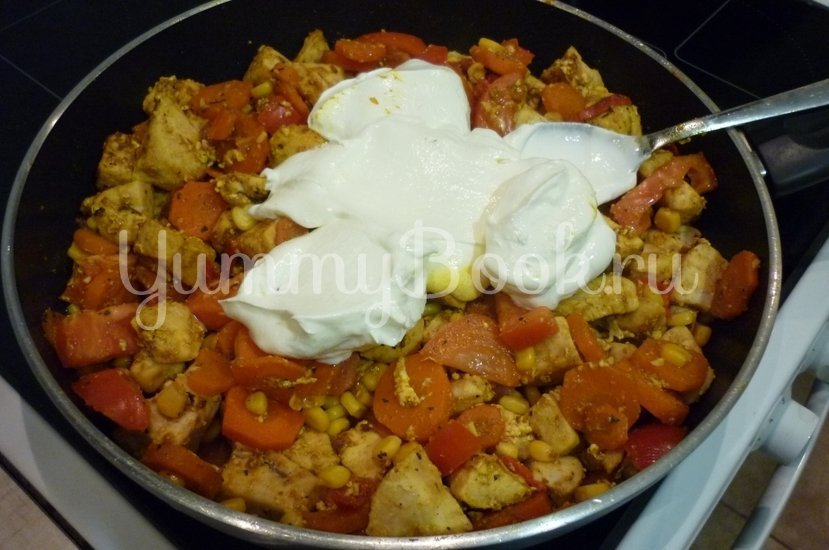 Куриное филе с овощами в сметанном соусе - шаг 15