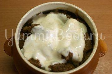 Куриная печень с сыром в горшочке - шаг 6