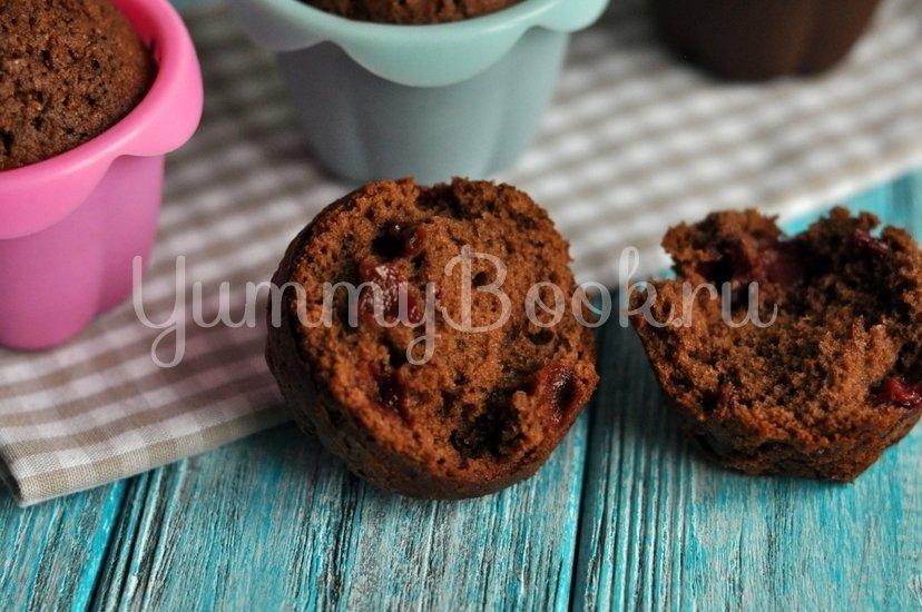 Шоколадные кексы с вишней - шаг 9
