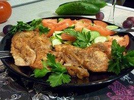 Куриное филе, запечённое в медово-соевом соусе