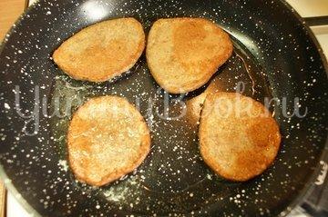 Оладьи из куриной печени - шаг 5
