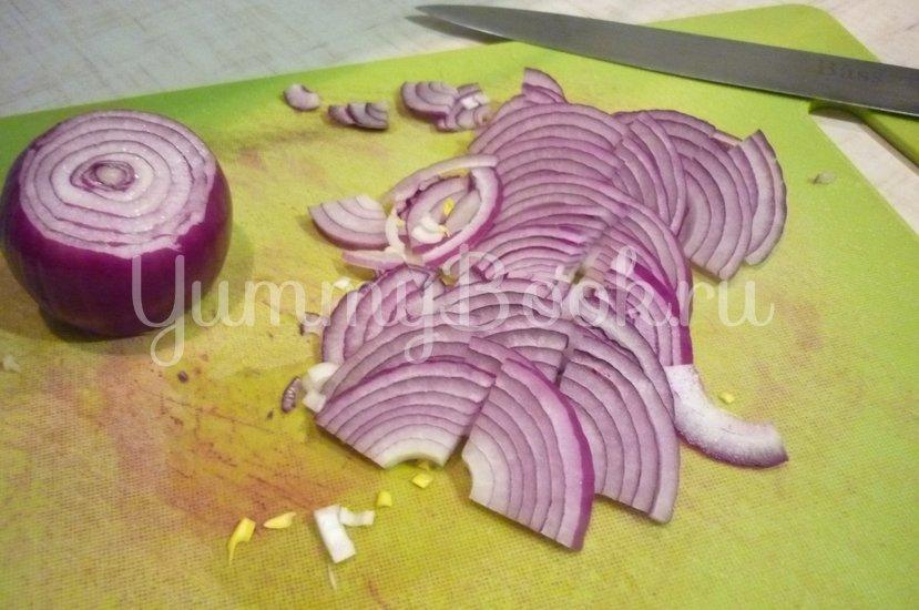 Лёгкий салат с тунцом и овощами - шаг 2