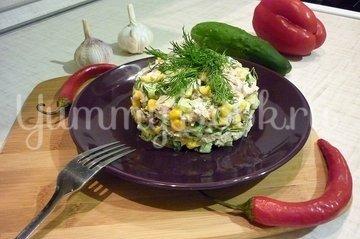Лёгкий салат с тунцом и овощами - шаг 8