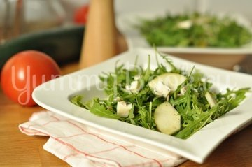 Зеленый салат с сыром - шаг 5