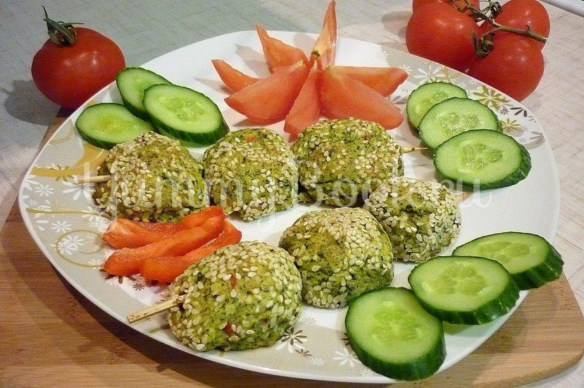 Зелёные сырно-картофельные шашлычки на шпажках - шаг 15