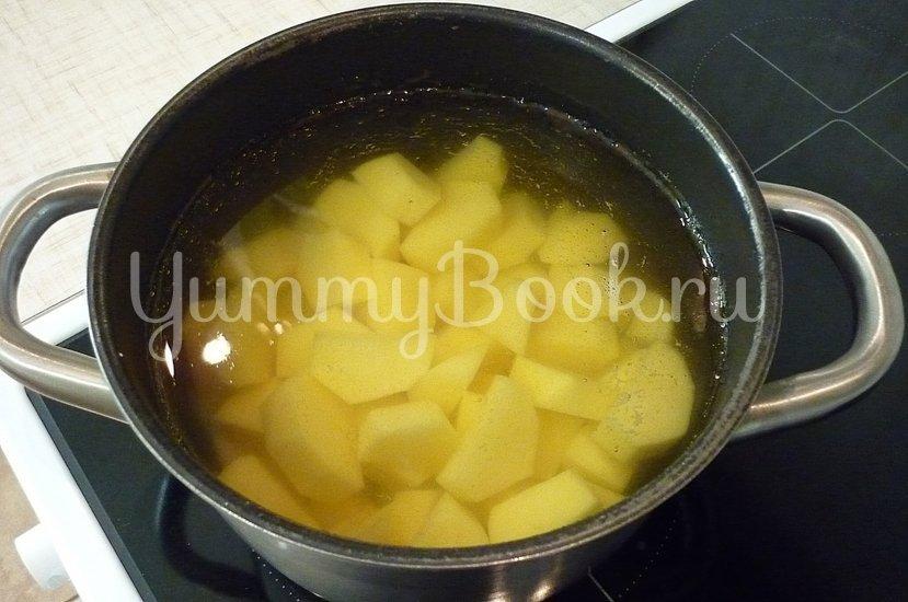 Зелёные сырно-картофельные шашлычки на шпажках - шаг 2