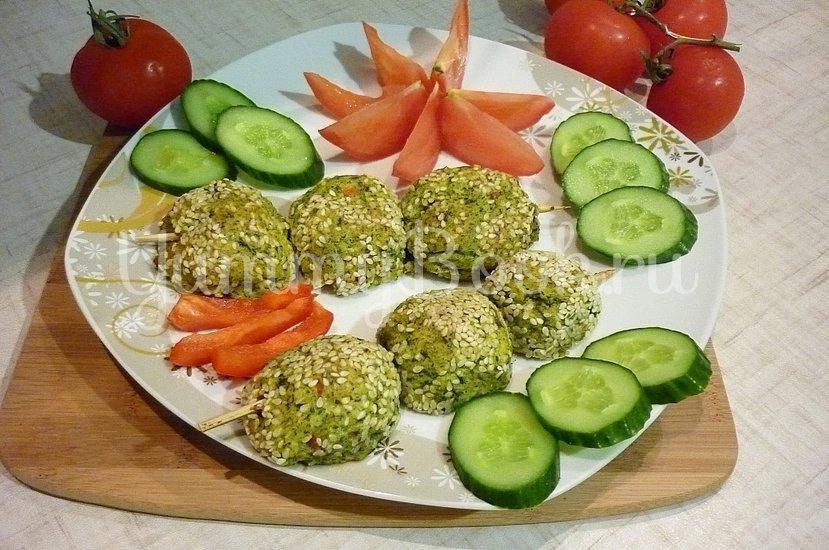 Зелёные сырно-картофельные шашлычки на шпажках - шаг 13