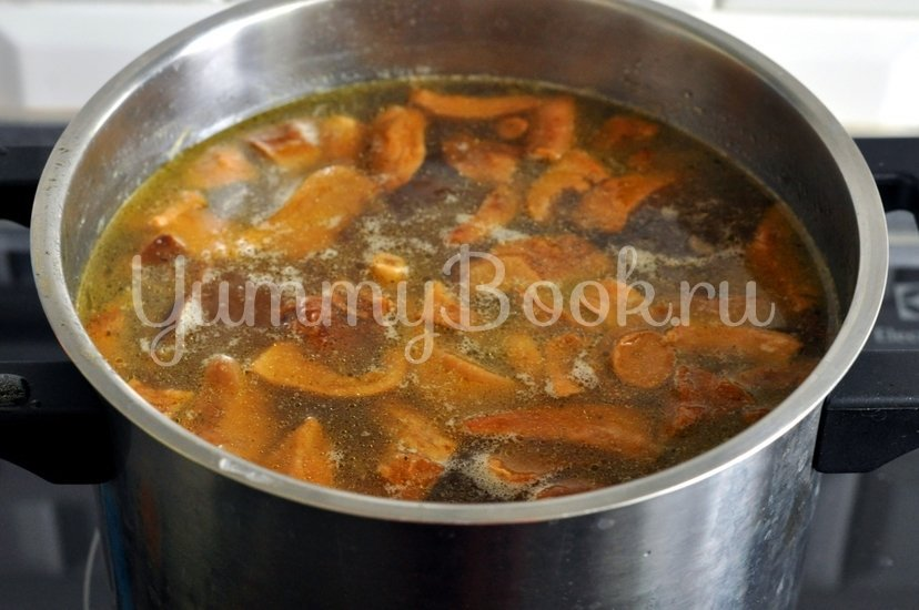 Суп с сушеными грибами - шаг 8