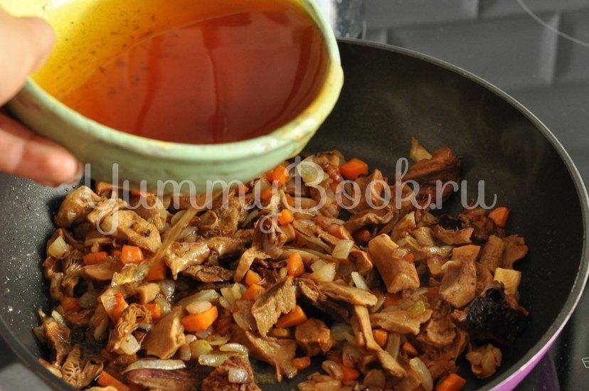 Суп с сушеными грибами - шаг 6