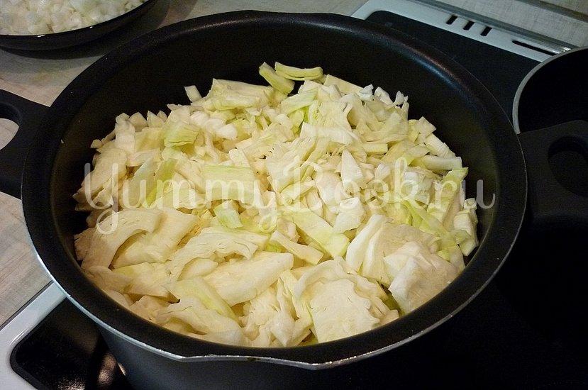 Тушёная капуста с куриным филе в сметане - шаг 3