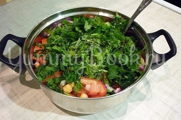Сытный и полезный салат с нутом - шаг 3