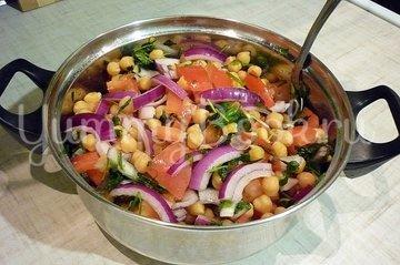 Сытный и полезный салат с нутом - шаг 4
