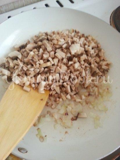 Свиные отбивные запеченые в сливочно-грибном соусе - шаг 2