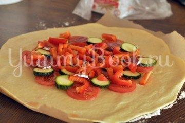 Галета с салями, моцареллой и овощами - шаг 6
