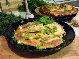 Хрустящие лепёшки с сыром и зелёным луком