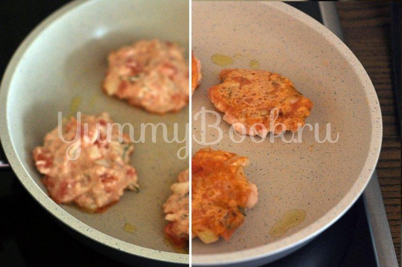 Греческие томатные котлеты Доматокефтедес с Цацики - шаг 7