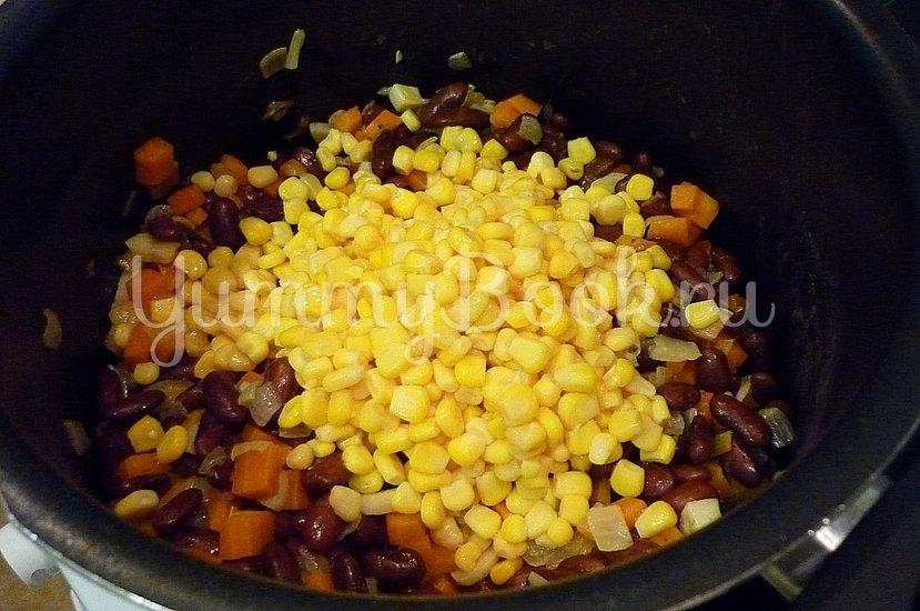 Тушёная фасоль с овощами в томатном соусе - шаг 7