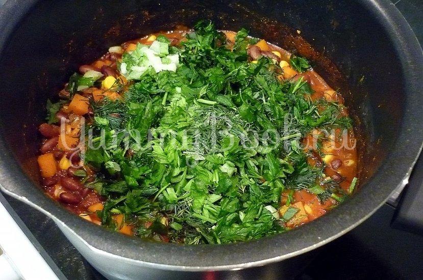 Тушёная фасоль с овощами в томатном соусе - шаг 10