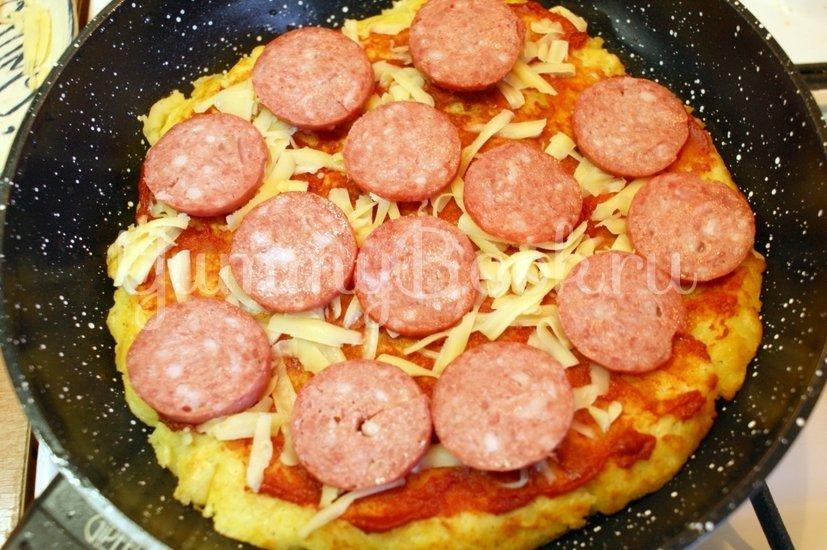 Картофельная пицца на сковороде - шаг 6