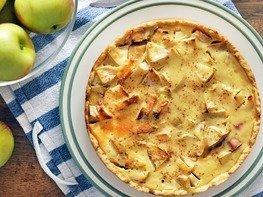 Яблочный тарт с ревенем