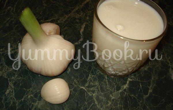 Котлеты в мультиварке с чесночно-молочной подливкой - шаг 4