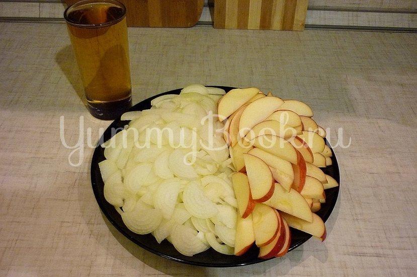 Запечённая свинина с луково-яблочным соусом - шаг 4