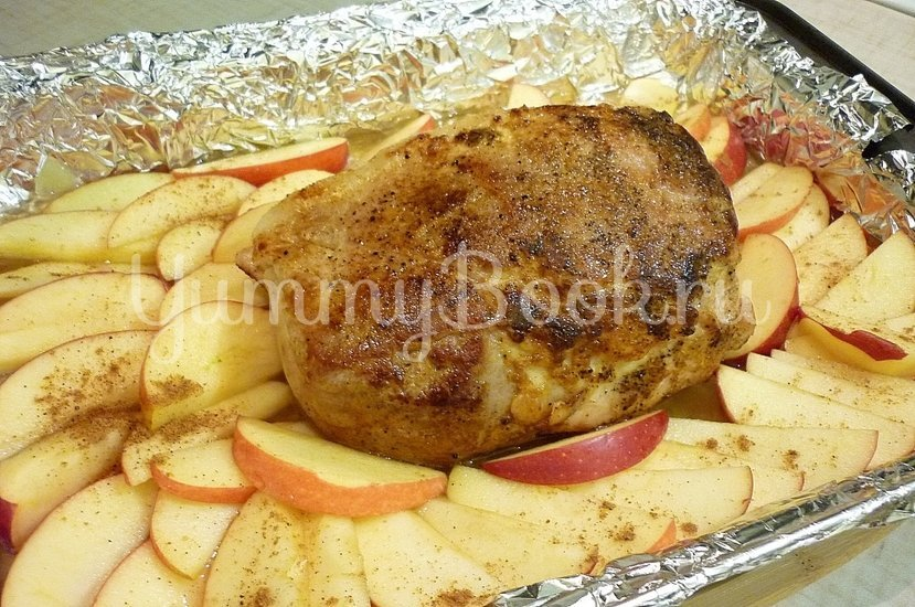 Запечённая свинина с луково-яблочным соусом - шаг 10