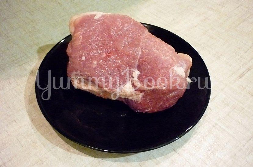 Запечённая свинина с луково-яблочным соусом - шаг 1