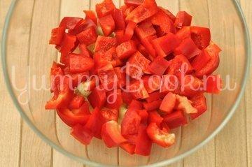 Салат овощной с грибами - шаг 2