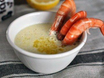 Сливочный соус с лимоном и чесноком к морепродуктам