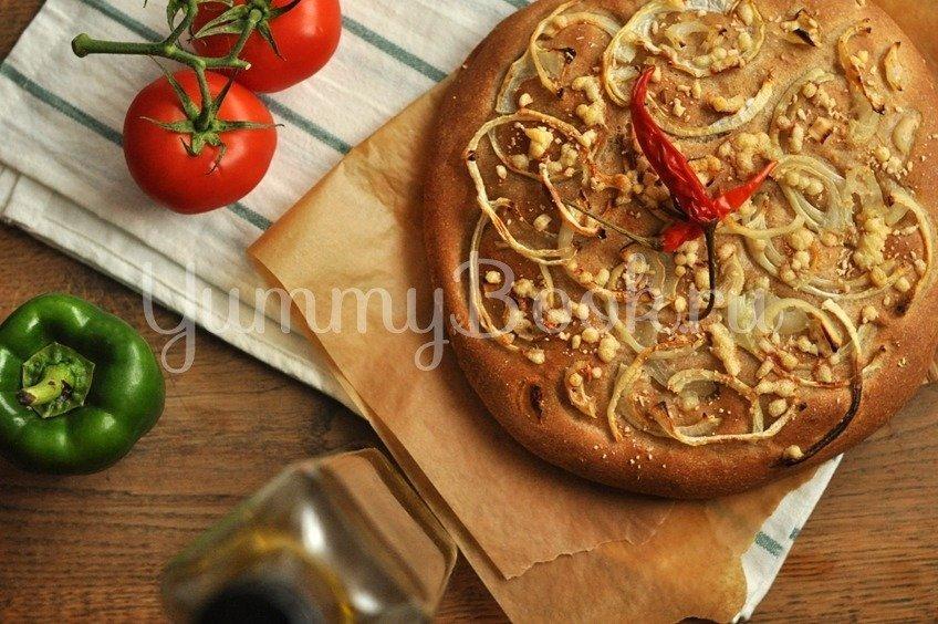 Луковая фокачча с сыром