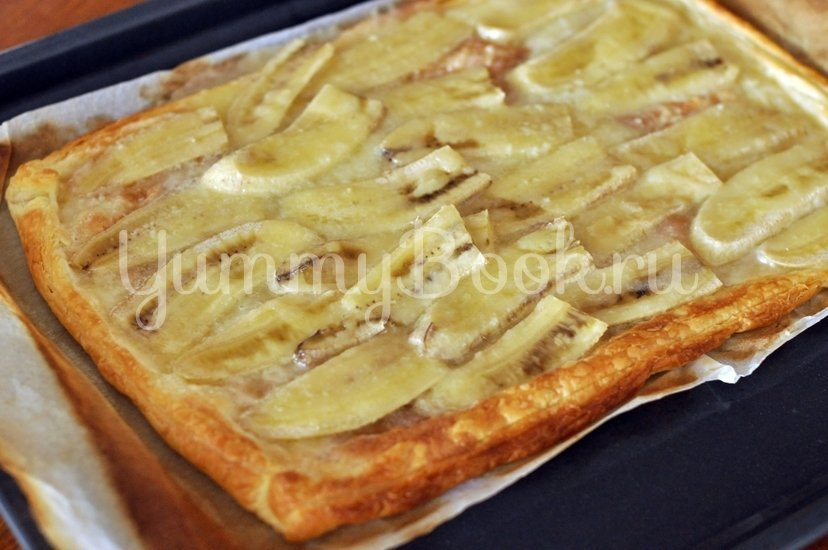 Простой пирог с бананами и сгущенным молоком - шаг 4
