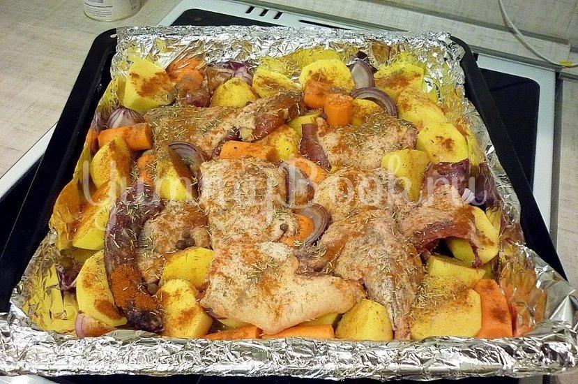 Острая утка, запечённая с картофелем и морковью - шаг 4