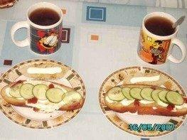 Бутерброды с яйцами и огурцами