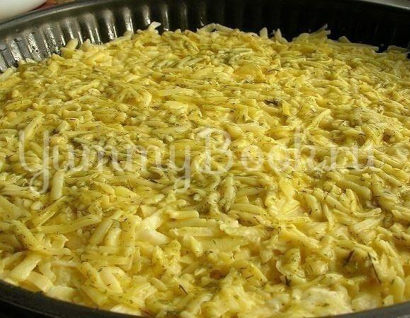 Запеканка из тертого картофеля с сыром и чесноком - шаг 4