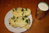 Бутерброды с яйцом, майонезом, чесноком и сыром