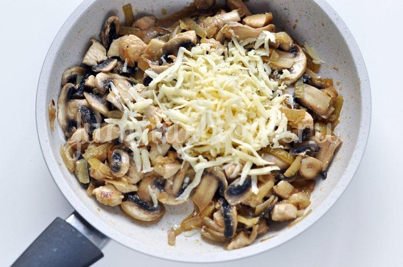 Запеченные перцы с курицей и грибами - шаг 5