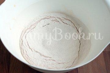 Кекс с орехами и сухофруктами в мультиварке - шаг 2