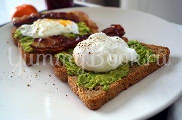 Сендвич с авокадо и яйцом-пашот - шаг 6