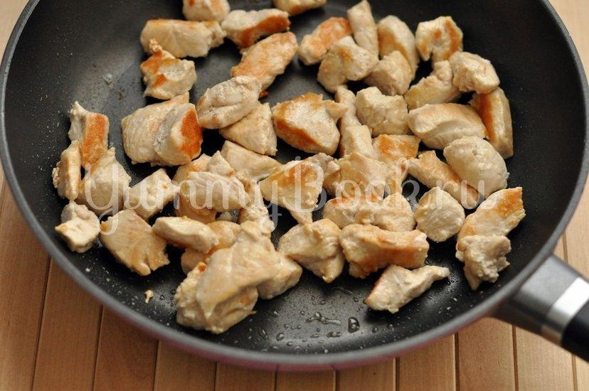 Карри с курицей и ананасами - шаг 1